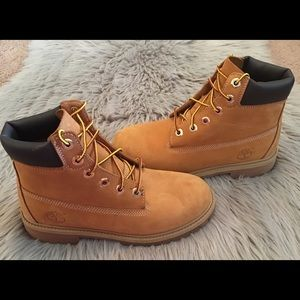 Youths Timberland boots